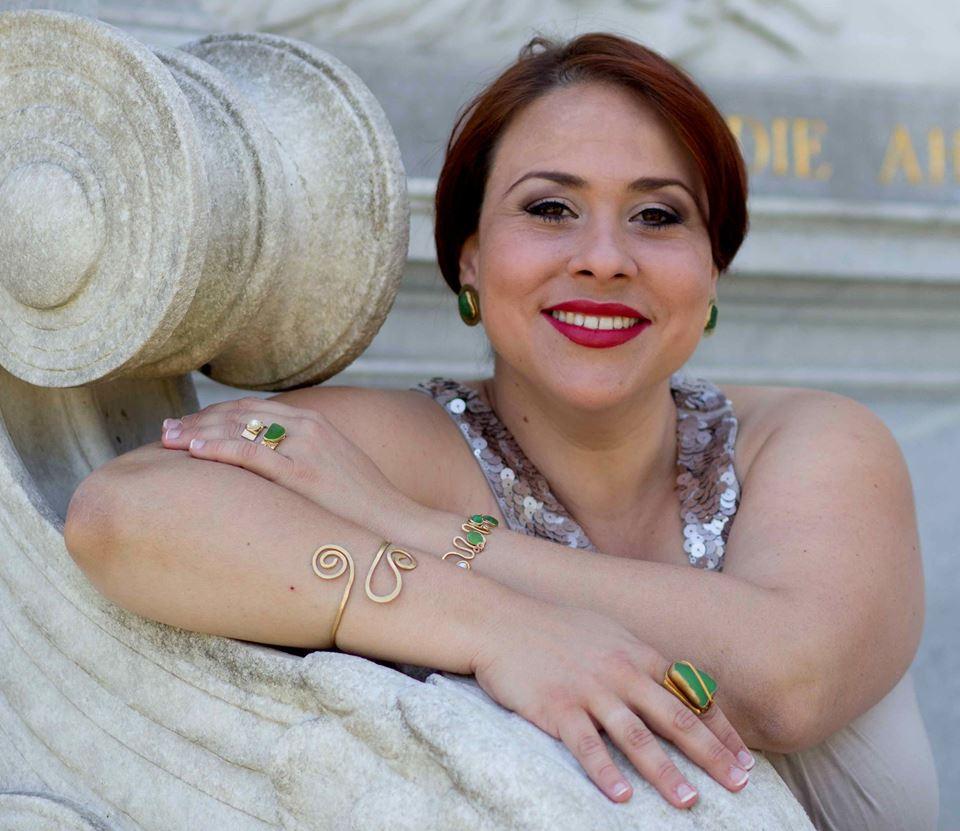Celia Sotomayor, Mezzo