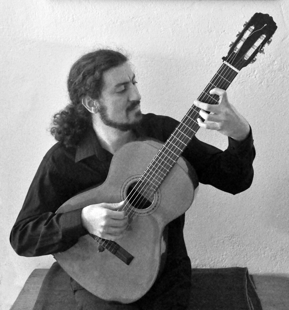 Alper Yakın, Guitar