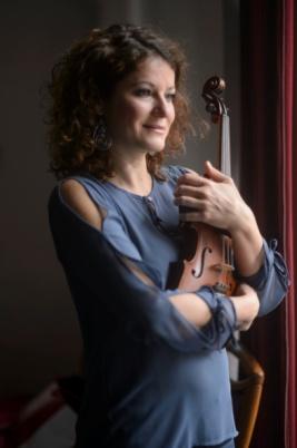 Eszter Augusztinovicz, Violin