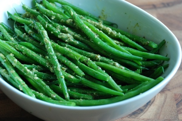 Green Beans with Pesto Vinaigrette