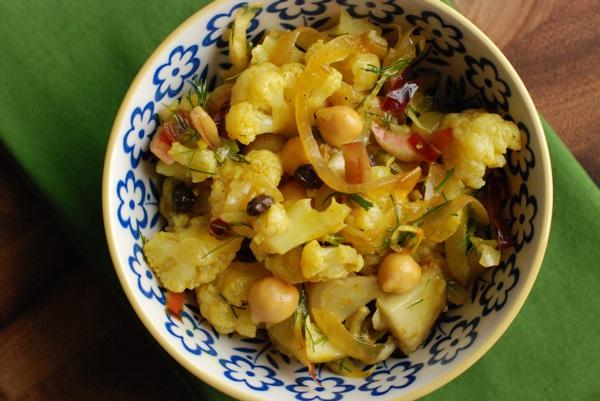 curried chickpea cauliflower salad