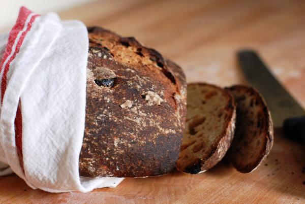 cocoa raisin rye bread 2