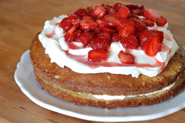 Strawberry Summer Cake