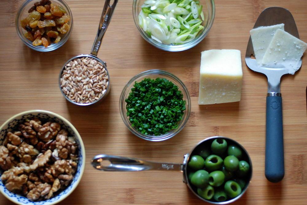 Barley salad mise