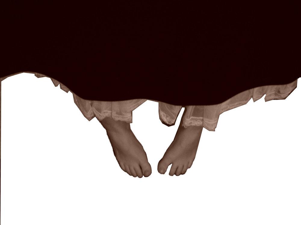 Feet_hanging.JPG
