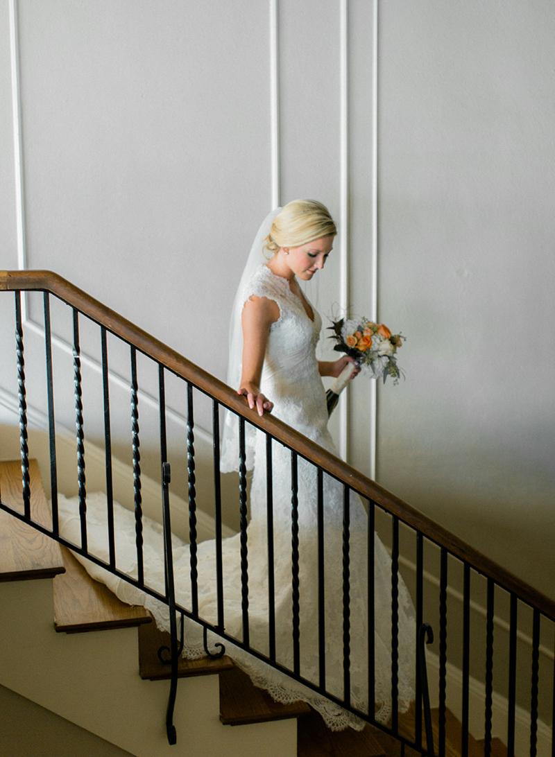 15-Whitney-LubbockBridalPhotography-FineArtWeddings-WatsonBuilding.jpg