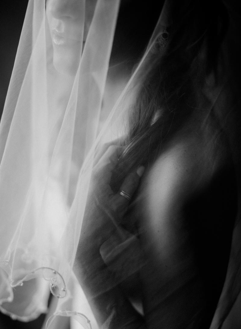 41AustinWeddingPhotographer-StonehouseVilla-Driftwood-Fine-Art-Film-Contax-Fuji400h.jpg