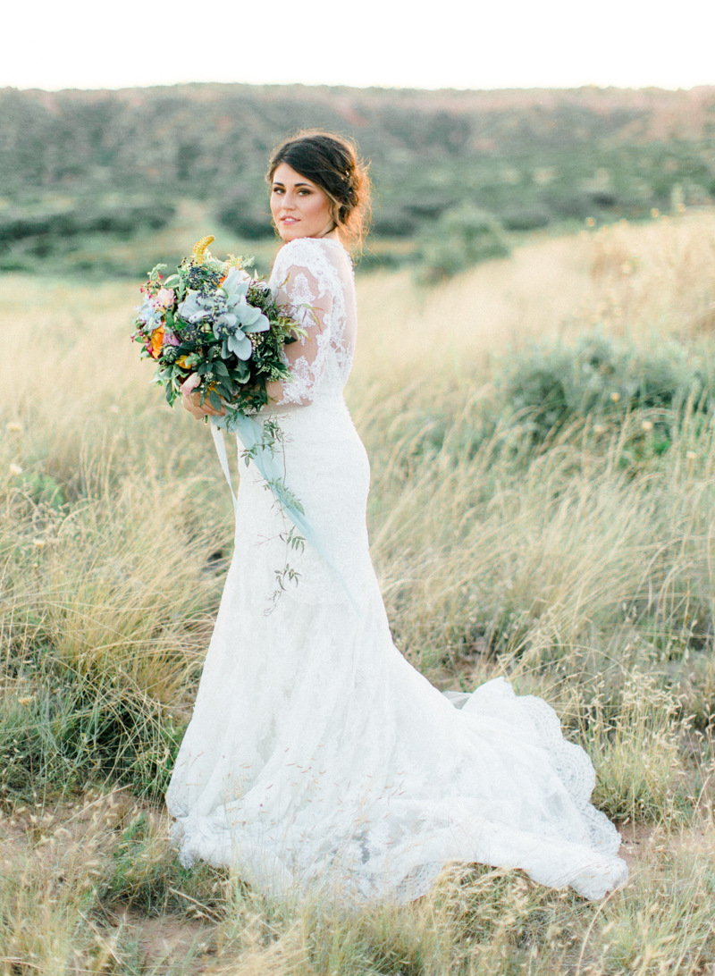 20style-me-pretty-lubbock-fine-art-wedding-photographer-joshuaratliff-organic-boho.jpg