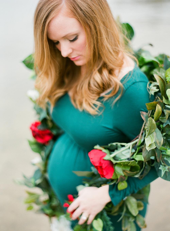 28-MaternityPhotographer-JoshuaRatliff.jpg