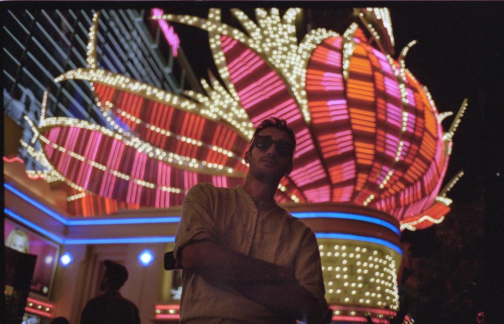 Las Vegas/Leica M2/Portra