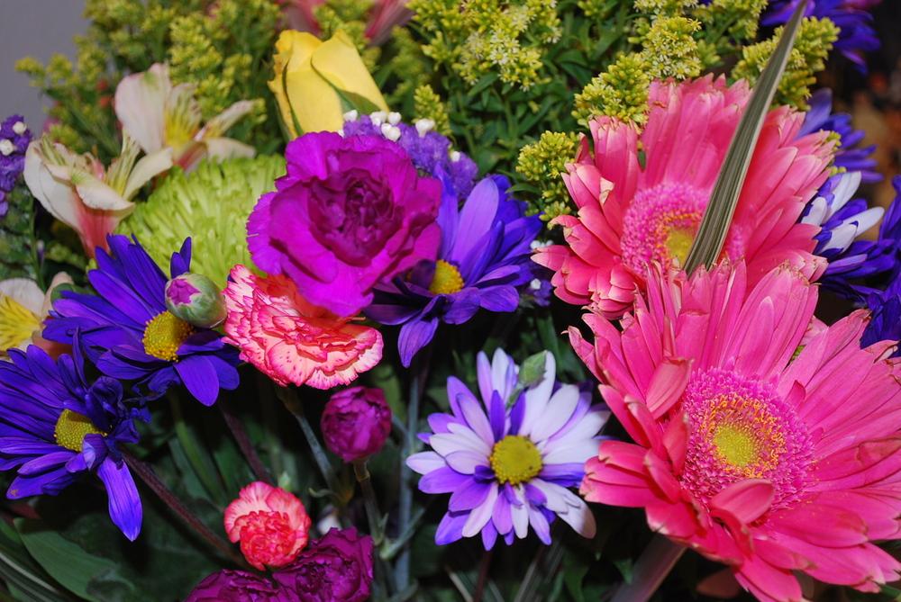 Flower arrangem.JPG
