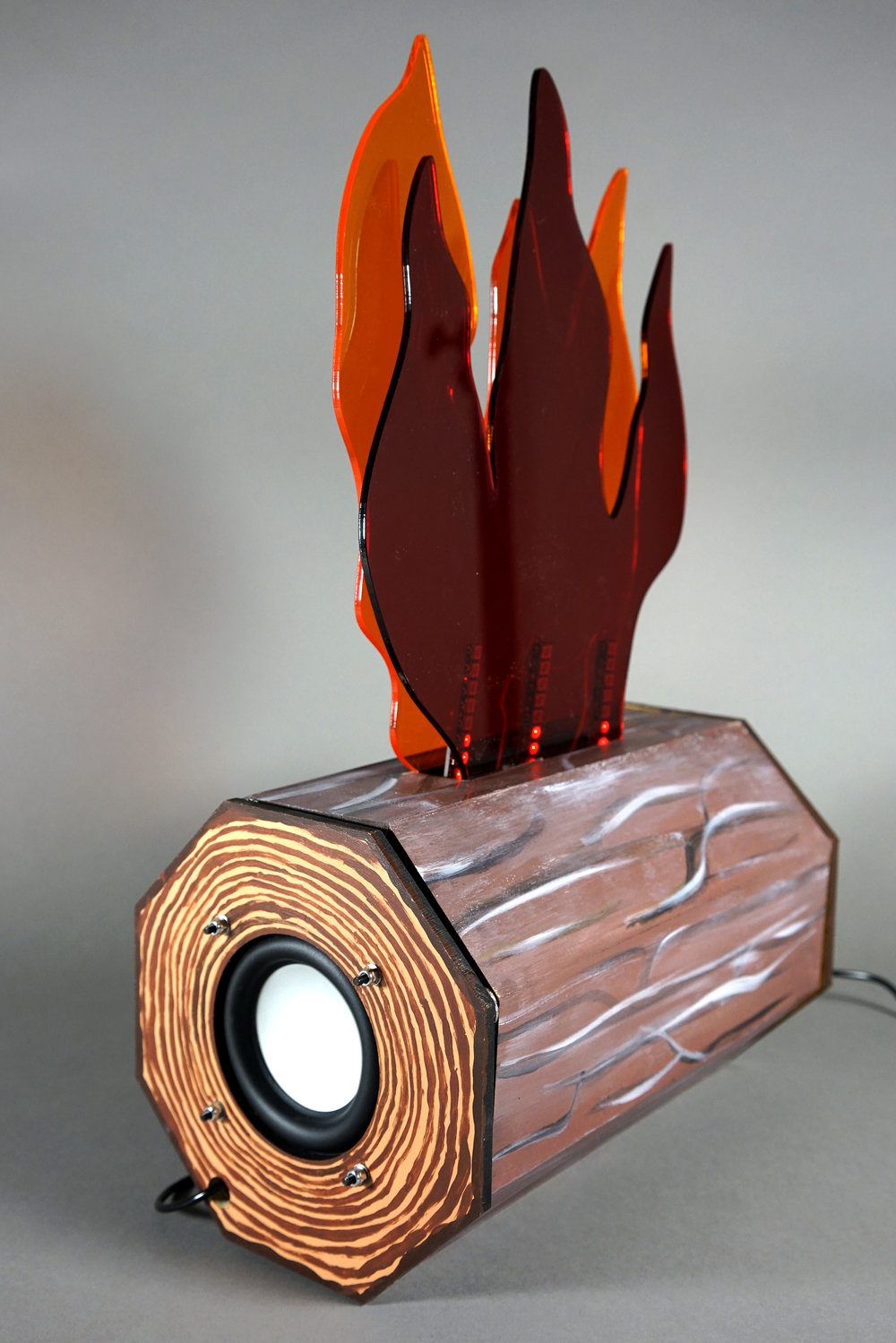 Amity's log amplifier with audio responsive fire lights.