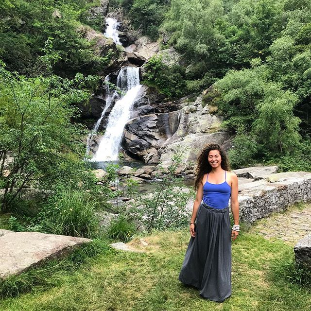 There are some places the soul feels nourished. Go there. Visit again. . #Fbf to this summer when I was last in Italy. Feels really good to be back but it's chilly! So I won't be swimming in this waterfall like I usually do, but I will be visiting again with friends. I've been here countless times. And I always go back! . Wherever nourishes the soul, go there. Whoever nourishes your soul, cherish them. . It also nourishes my soul to see my soul family and all the love and hugs exchanged. I'm a part of a spiritual community here. . For me that's one of the best feelings in the world. When you see someone you love after not seeing them for awhile and how my heart bursts in happiness. It allows new levels of appreciation to blossom. Give thanks to your beloveds today! 💗 #drnikkistarr  #love #selflove #naturelover #italy #soulfood #nourishment