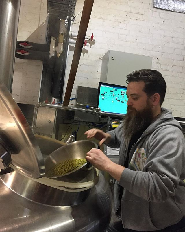 """Glory hold"" hop additions brewing Catfish Birthday beer ""Saison D'être"" at Bridge RD Brewers"