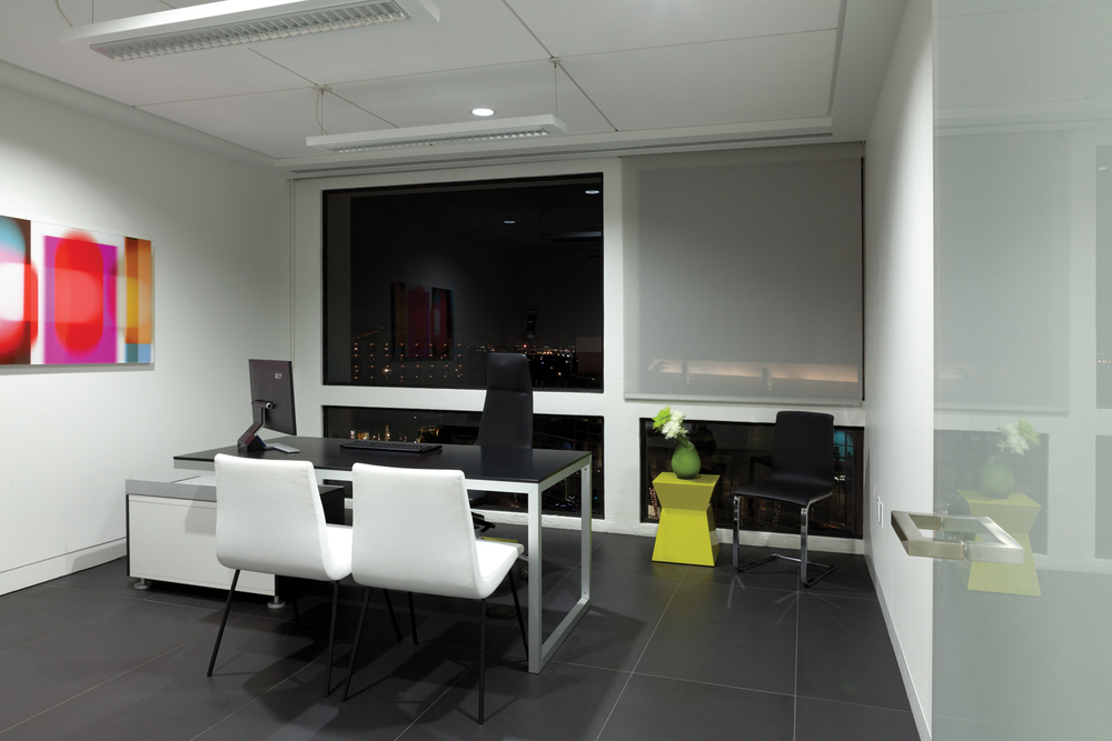 Design-Helm_CENTER_Interiors_Consult-Room.jpg