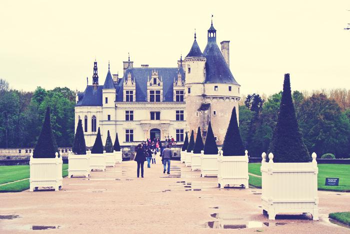 getting_to_chenonceau_chateau_loire_valley_aspiring_kennedy.jpg