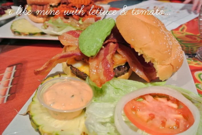 cheeseburger_in_paradise_maui_lahaina_aspiring_kennedy_hawaii.jpg