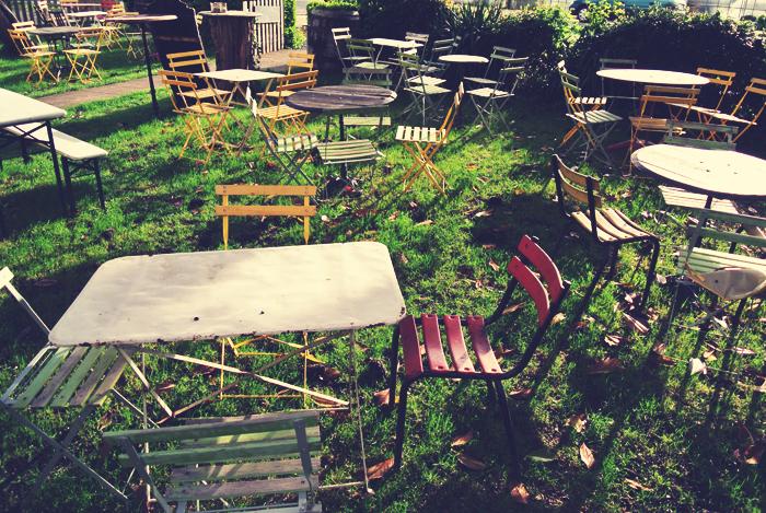 cafe_de_la_promenade_bourgieul_aspiring_kennedy.jpg