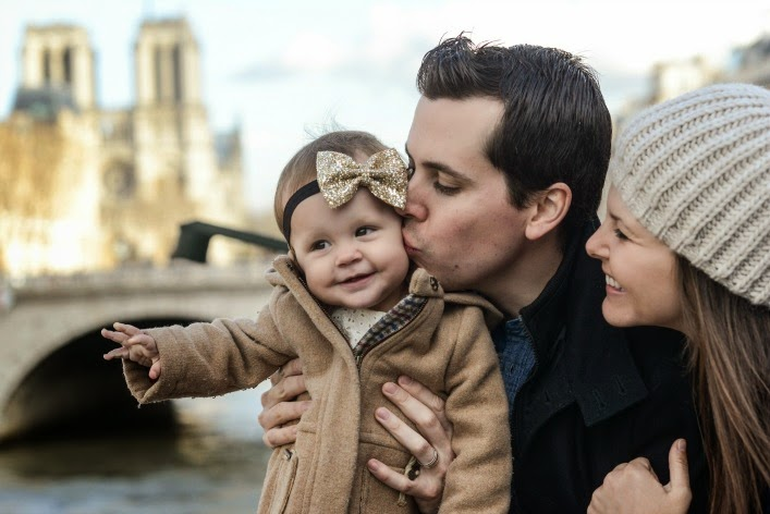 family_pictures_in_paris_notre_dame_aspiring_kennedy.jpg