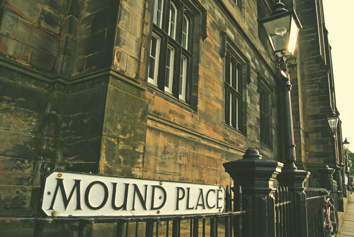 mound_place_old_town_edinburgh_aspiring_kennedy.jpg