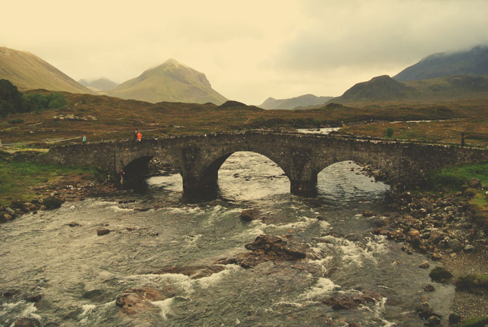 isle_of_skye_old_scottish_bridge_aspiring_kennedy.jpg
