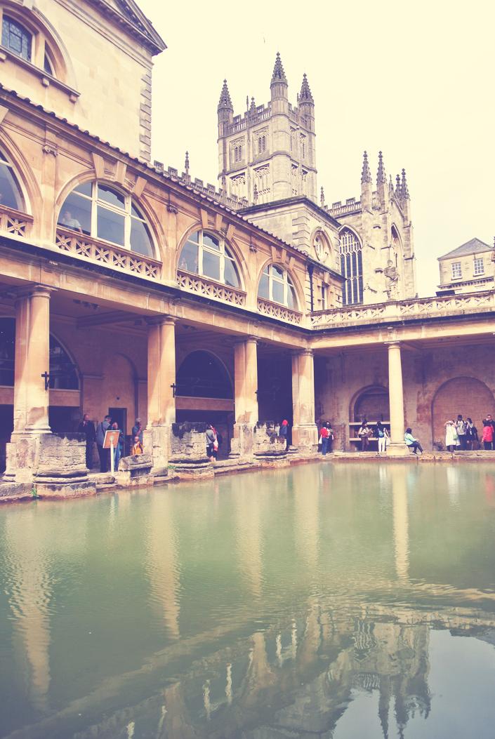 visiting_the_roman_baths_england_aspiring_kennedy.jpg