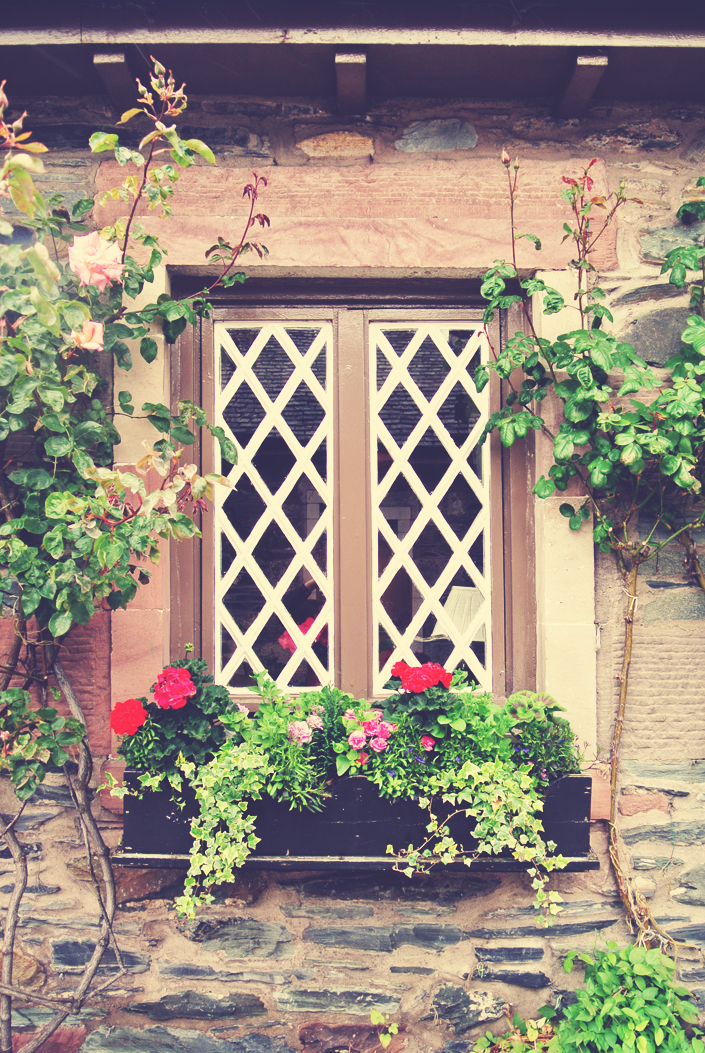 luss_scotland_cottages_aspiring_kennedy.jpg