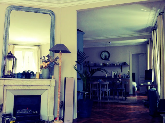 parisian_apartment_interior_design_aspiring_kennedy.JPG