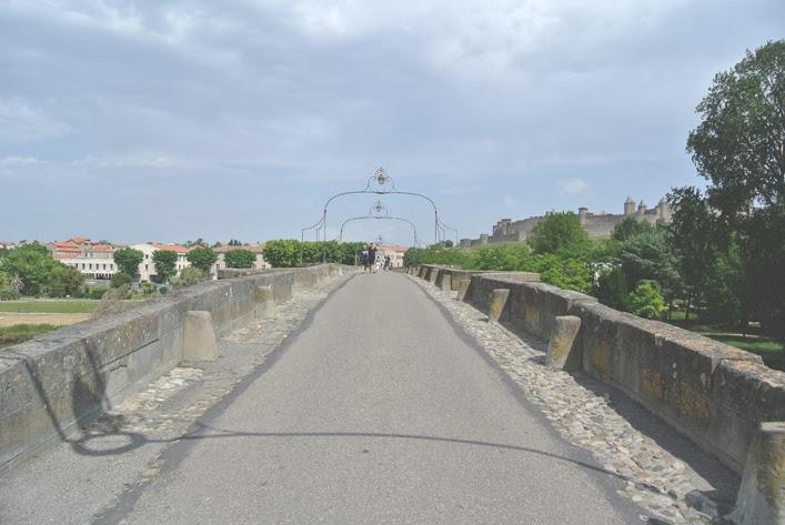 bridge_to_old_town_carcassonne_aspiring_kennedy.jpg
