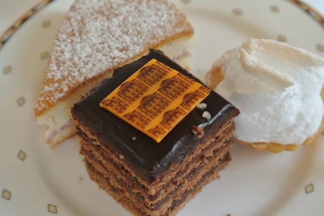 tea_cake_at_the_orangery_aspiringkennedy.JPG