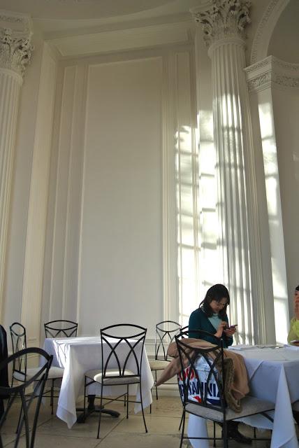 tea_at_the_orangery_kensington_palace_aspiringkennedy.jpg