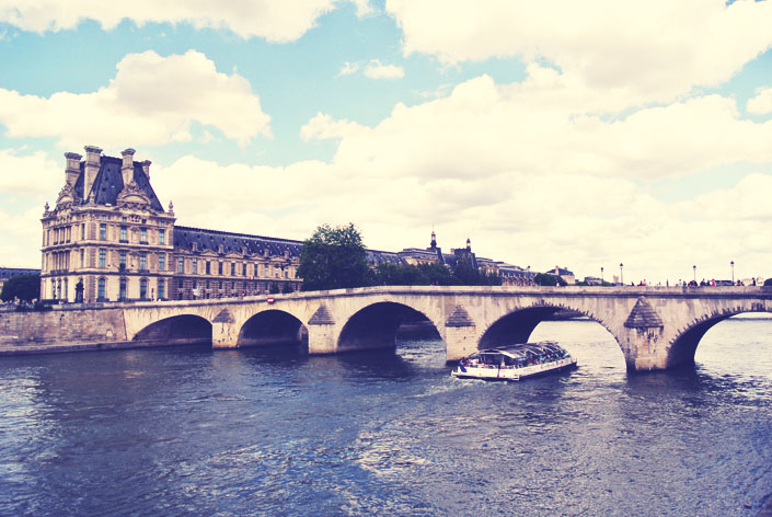 river_cruise_in_paris_aspiring_kennedy.jpg