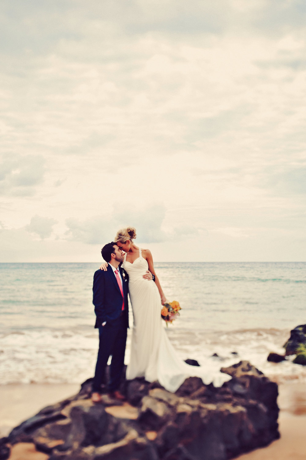 tyler_and_amber_mickelson_beach_wedding_pictures_aspiringkennedy