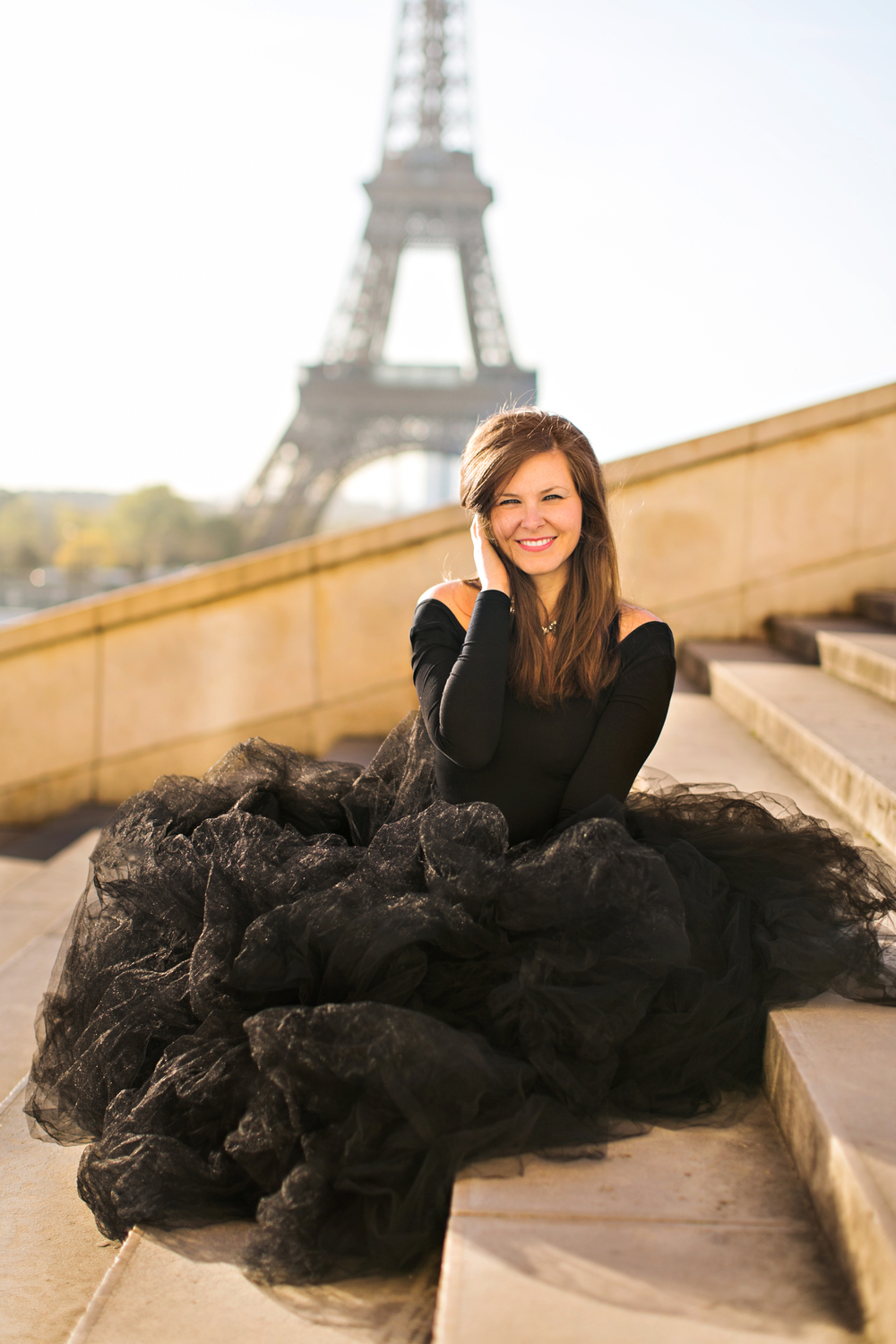 lauren_knight_living_in_paris_aspiring_kennedy