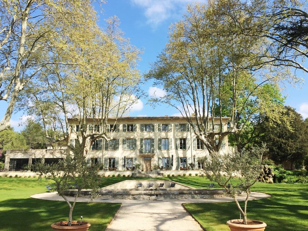 Pack your bags domaine de fontenille provence aspiring kennedy - Domaine de fontenille lauris ...
