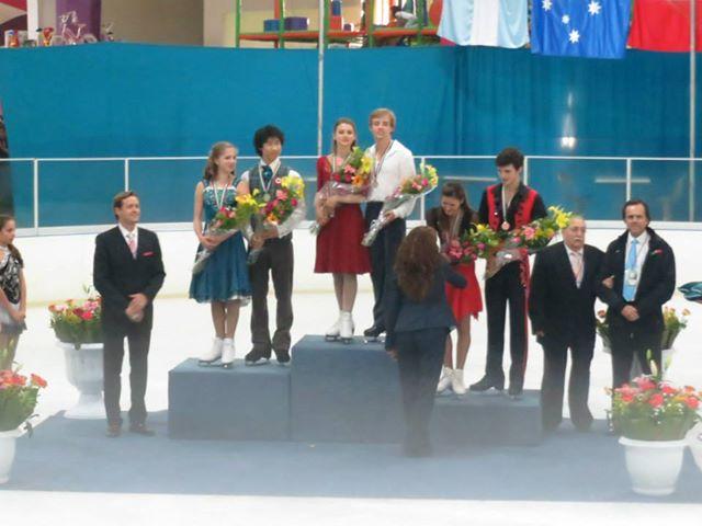Edwards/Pang silver medalists at the 2013 Mexico City JGP