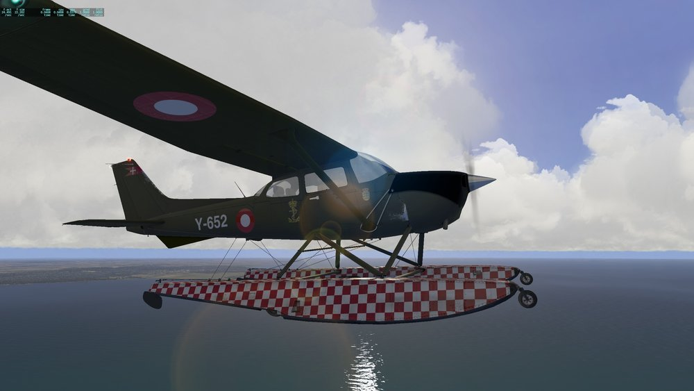 Cessna_172SP_seaplane_4.jpg