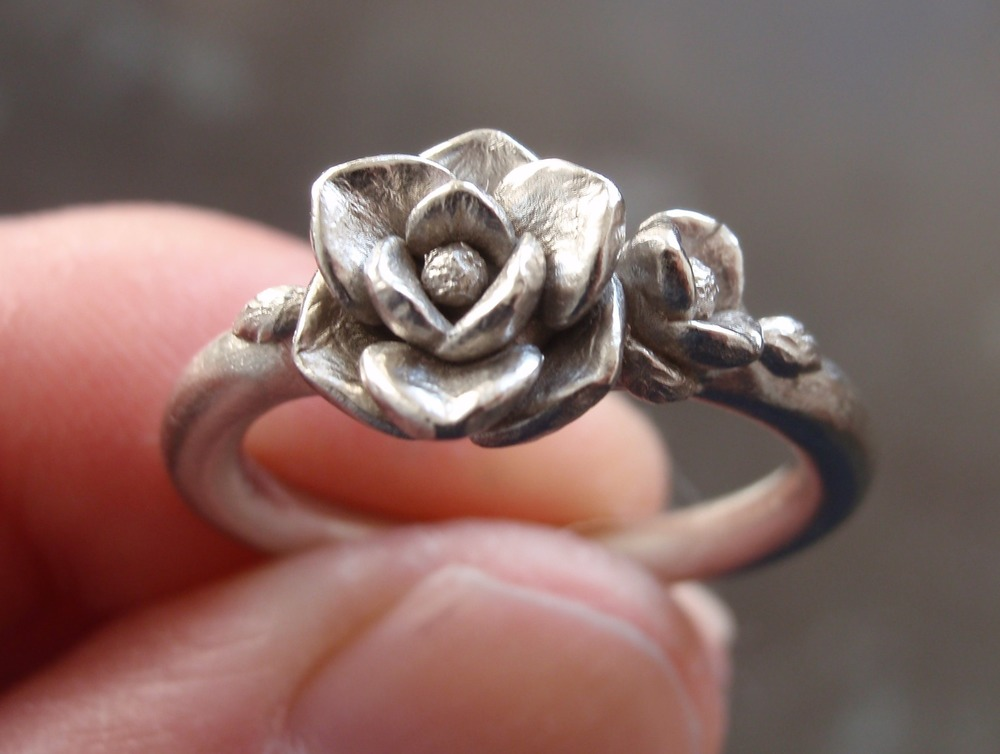 Magnolia Ring in 14K White Gold.