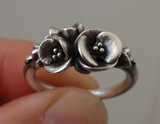 Tiniest Bouquet of Poppies, Ring in Sterling Silver.