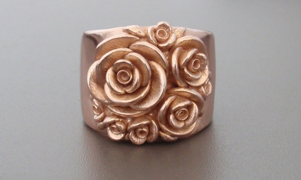 Bouquet of Roses, Wide-Band Ring, in 14K Rose Gold.