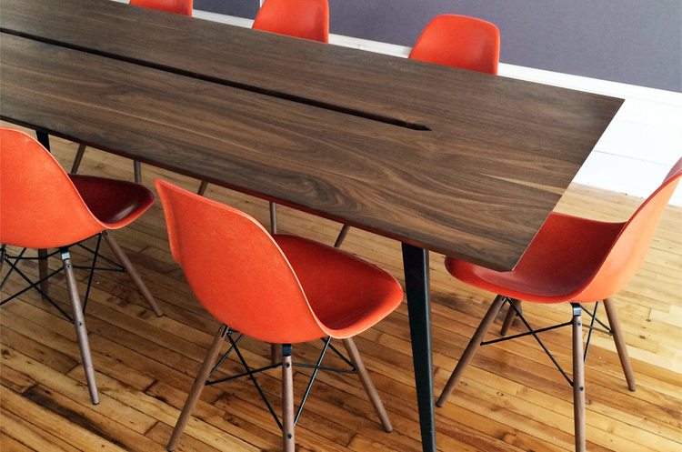 SUNRISE Conference Table AVANDI - Red conference table