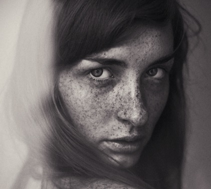 Eva by Hannes Caspar