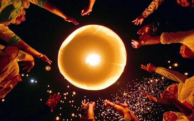 lantern release.jpg