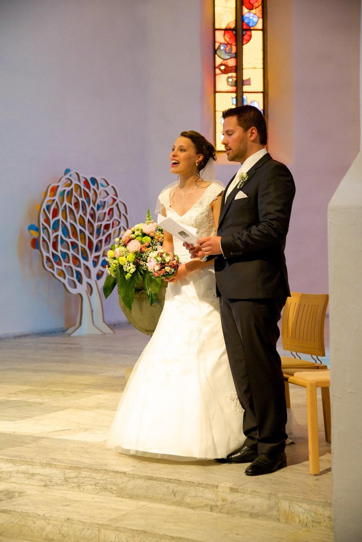 Sara & Raffael Berger Hochzeit 026.jpg