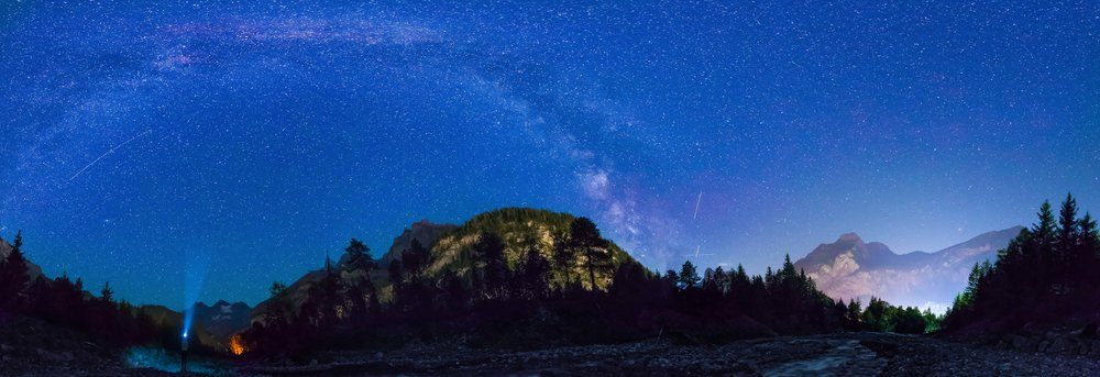 Kandersteg by night mit Sicht auf die Milchstrasse...