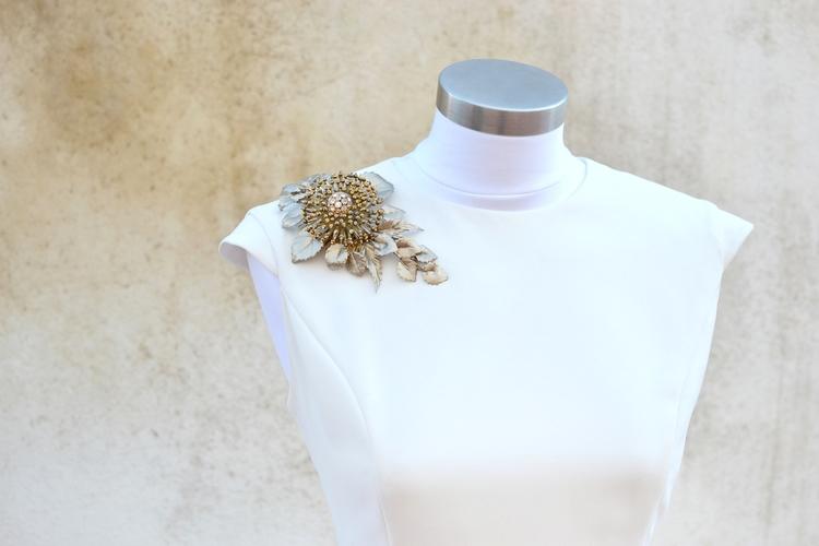 Bonito Vestido De Novia Broche Ideas Ornamento Elaboración ...