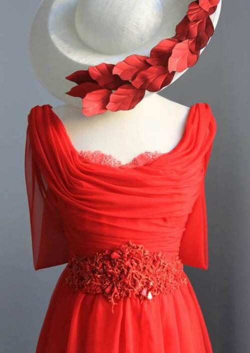 vestido-bordado-vestido-chaqueta-piedras-rojo-carmen-maria-mayz-reina-letizia-chaqueta-bordada-.jpg