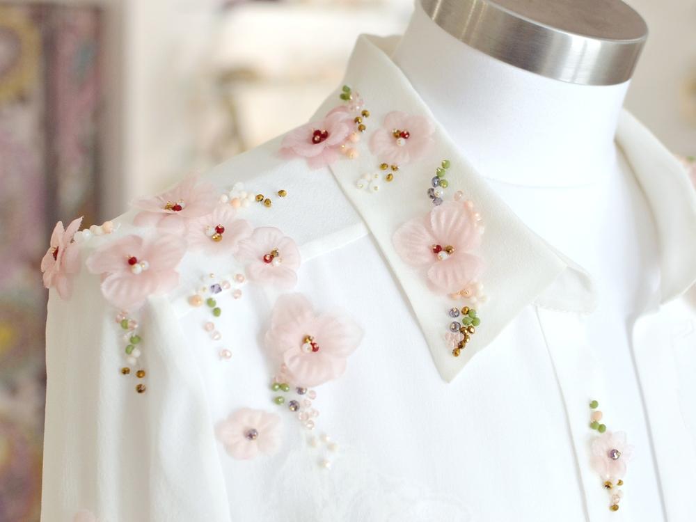 vestido-novia-a-medida-bordado-flores-camisa-bordada-flores-boda.jpg