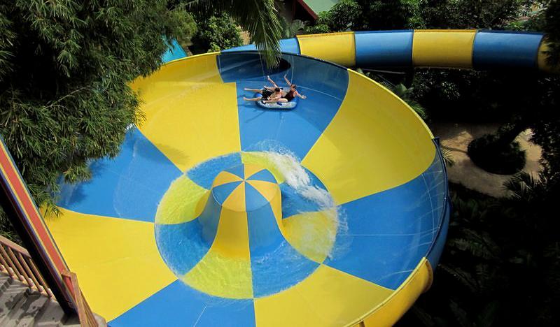 funnel-water-slide-i5.jpg