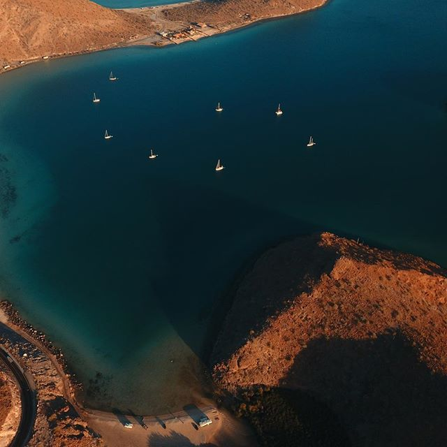 Boats and RVs sharing the same bay ⛵️🚌 . #boatfractal #rvlife #fulltimerv #ontheroad #djiphantom4 #baja